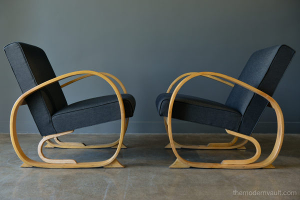 Remarkable Pair Of 1940S Art Deco Bentwood Club Or Lounge Chairs Gmtry Best Dining Table And Chair Ideas Images Gmtryco